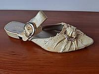 Босоножки шлепанцы женские на каблуке бежевые