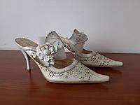 Босоножки женские на каблуке белые, фото 1