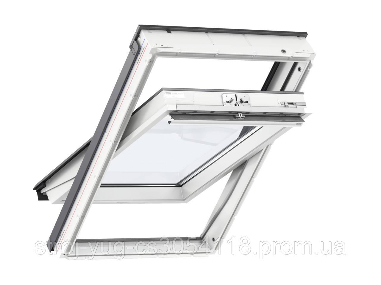 Мансардное влагостойкое окно VELUX Стандарт GLU 0051, ручка сверху, дерево/полиуретан, 66х118