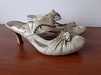 Босоножки туфли женские на каблуке бежевые