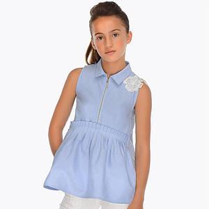 Блузка короткий рукав с баской,молнией впереди и кружевным декором