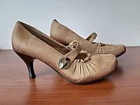 Жіночі туфлі коричневі