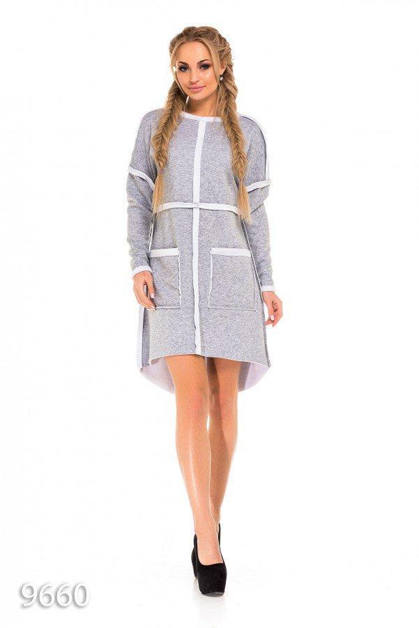 Серое платье-трапеция с меховой изнанкой и крупными карманами