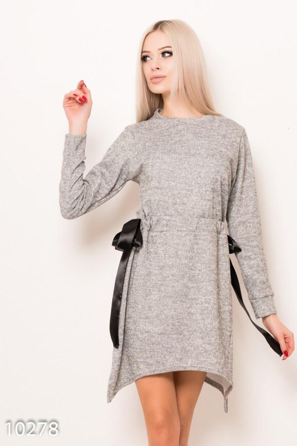 Светло-серое ангоровое меланжевое асимметричное платье с кулиской