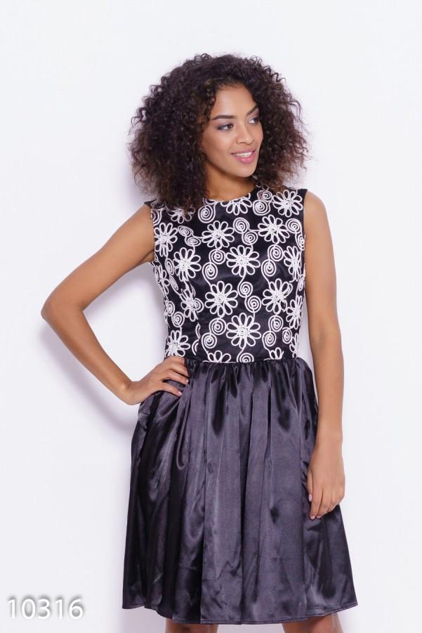 Черно-белое нарядное платье с ажурным декором