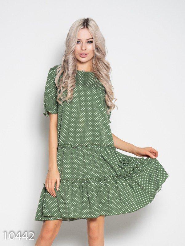 Зеленое в белый горошек платье с рюшами и воланами
