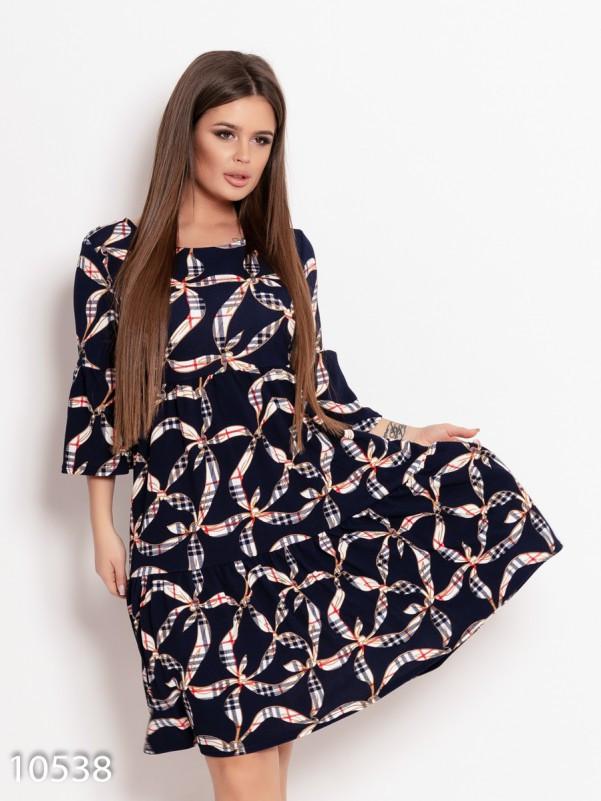 Темно-синее принтованное платье модели трапеция