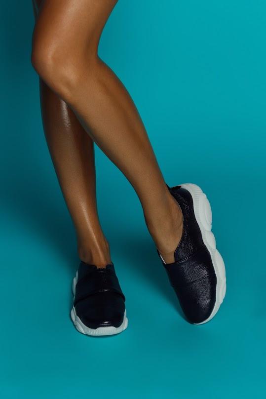 Женские кожаные слипоны Ted Toy (черные)