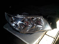 Фары,перед правая б-у  2008-2012 Subaru Forester