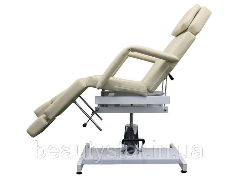 Кресло - Кушетка педикюрная с гидравлической регулировкой высоты.Цвет бежевый.  модель 235