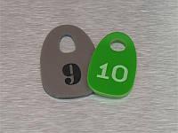 Номерок гардеробный акриловый 35х60 мм, односторонний (Кольцо: Без кольца для ключей;  Заливка эмалью: 1 слой;