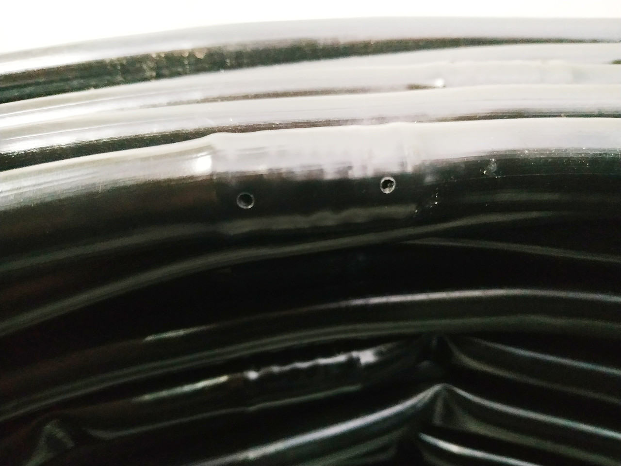 Крапельний полив. Трубка багаторічна Ø16мм.(крок 33 см)\бухта 200м\. Evci Plastik. Туреччина