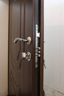 Двери квартирные, серия Стандарт, модель Классик, гнутый профиль, 2 контура уплотнения, 2 замка, фото 2