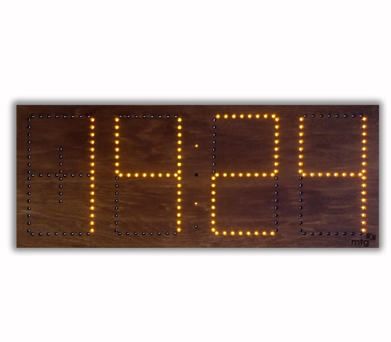 Светодиодные часы в деревянном корпусе. Цифры 520*220 мм (дата, время, температура)