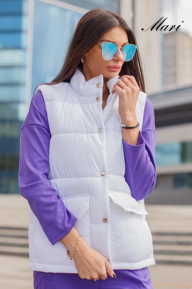 Женская жилетка стеганная с накладными карманами 63zi34