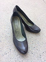 Туфлі жіночі шкіряні чорного кольору.Виготовлені в Іспанії.