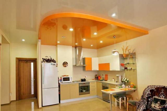 Натяжные потолки кухня.