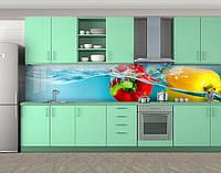 Кухонный фартук Красный и желтый перцы в воде( наклейка виниловая для кухни) Самоклейка 60 х 300 см.