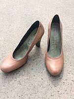 """Туфлі жіночі шкіряні на каблуці.Виготовлені в Іспанії.Колір""""кава з молоком""""."""