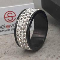 Черное кольцо с белыми кристаллами Swarovski 15-20 р 102680