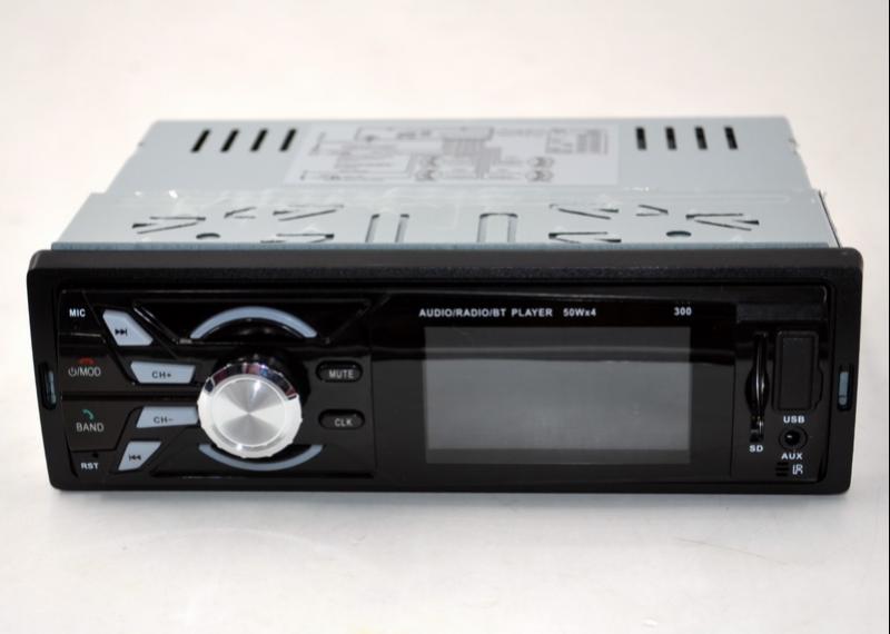 Автомагнитола  CDX-GT 300 магнитола в машину USB пульт ДУ не съемная панель
