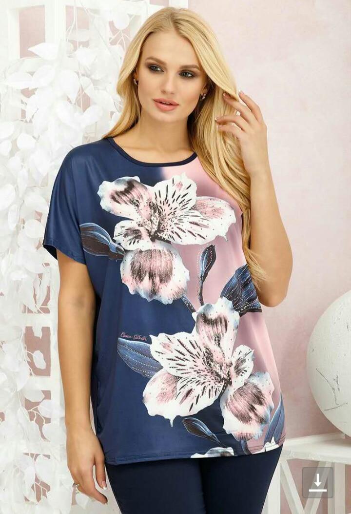 Женская футболка со стразами больших размеров