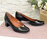 Женские кожаные туфли на невысоком каблуке классического пошива., фото 4