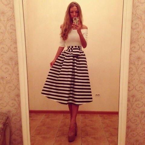 Платья ниже колена юбка пышная