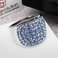Женское кольцо с кристаллами Swarovski голубого цвета 15-20 р 102736