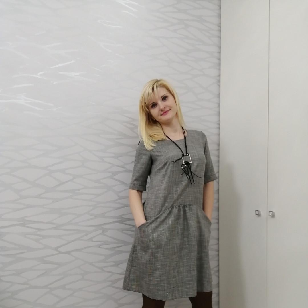 Платье свободного покроя с карманами