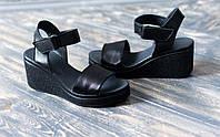 Кожаные босоножки на платформе черные