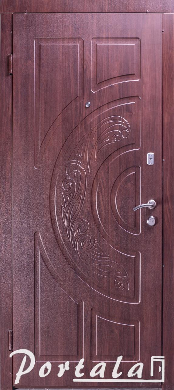 Двери уличные, серия Элегант, модель Рассвет, гнутый профиль, 2 контура уплотнения, 2 замка