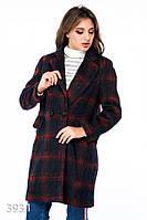 Синее пальто в красную клетку на двух пуговицах