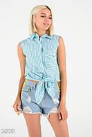 Бирюзовая полосатая рубашка без рукавов с узлом и бусинами на кармашке