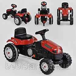 Трактор педальный красный пластиковые колеса с звуковым сигналом от 3-х лет