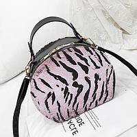 Женская маленькая полукруглая сумка Animal print розовая