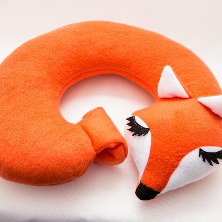Подушка подголовник лиса