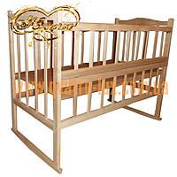 """Детская кроватка из ольхи """"КФ"""" с качалкой, отбросом боковушки, колесами, фигурной спинкой"""