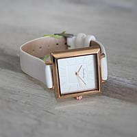 Часы наручные белые классической квадратной формы