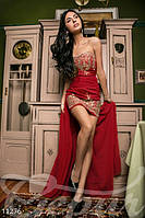 Яркий наряд из короткого платья футляра с открытыми плечами потайная молния сзади дайвинг