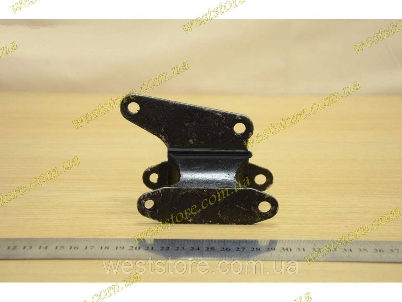 Подушка КПП Ваз 2101 2102 2103 2104 2105 2106 2107 (5-ти ступенчатая) БРТ