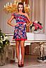 Короткое летнее  платье с вырезом, на одно плечо, цветочный принт