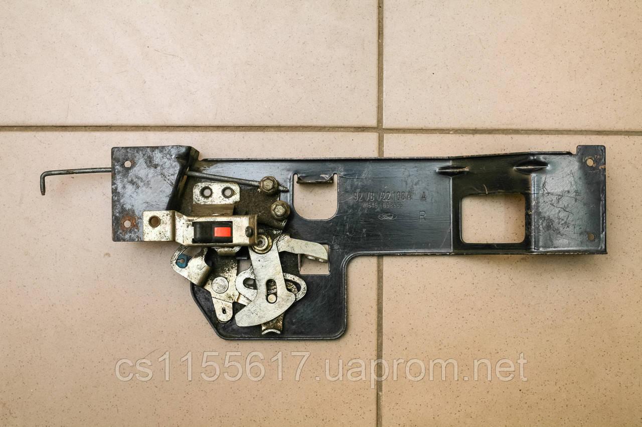 Замок (механизм) боковой двери 92VBV22168A б/у на Ford Transit год 1986-1994 92VBV22168A K1545-098665