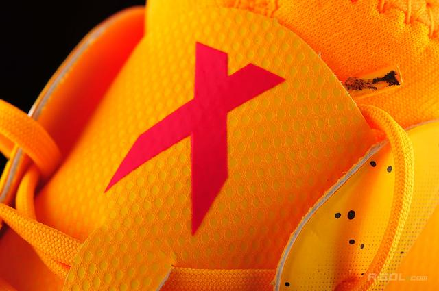 detskie-futbolnye-butsy-adidas-0q0w87211