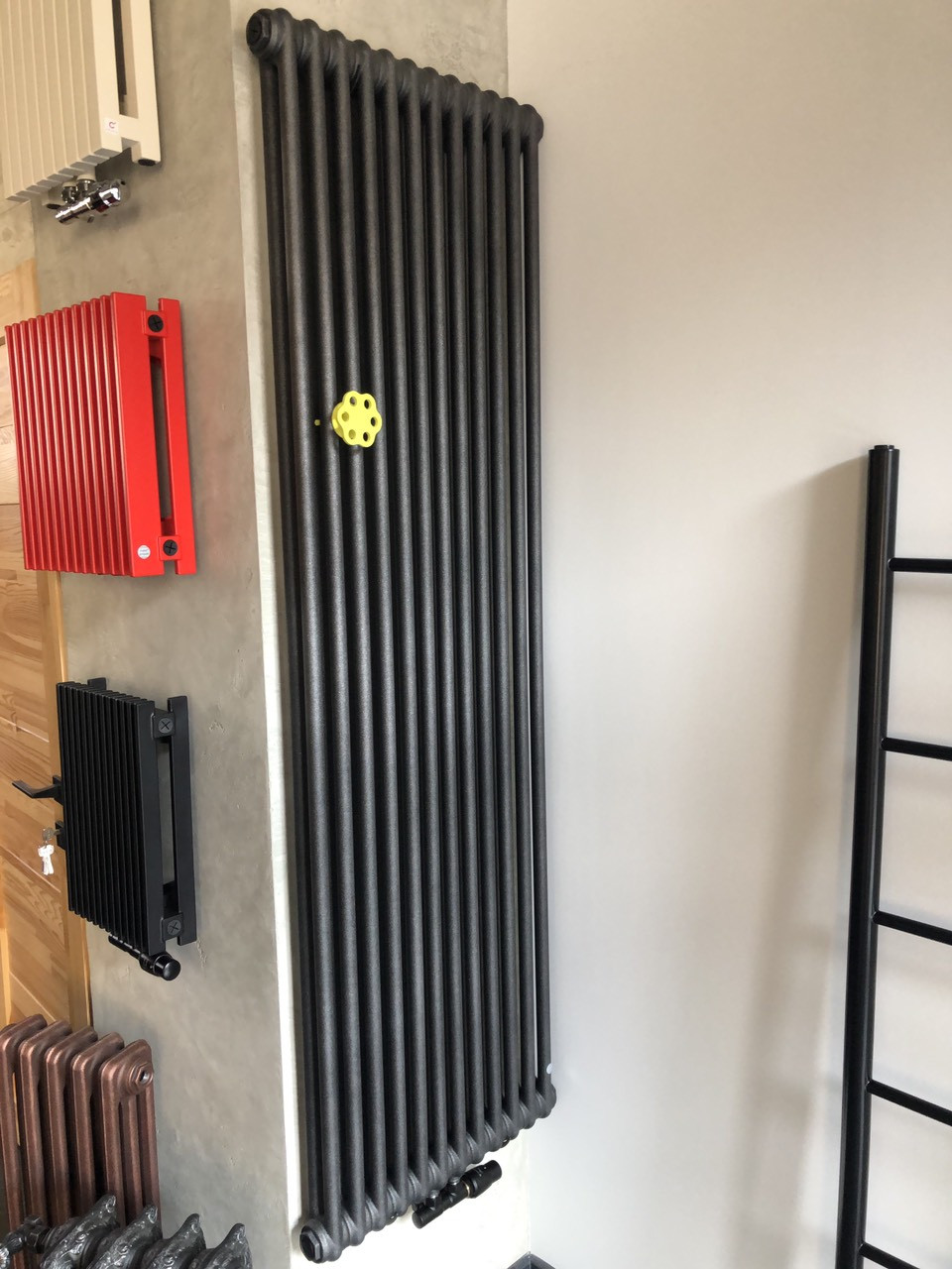 Instal Projekt Трубчастий радіатор Tubus 2 1800*576, 12 секцій Black