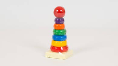 Деревянная пирамидка. Игрушка собирается из 7 деталей