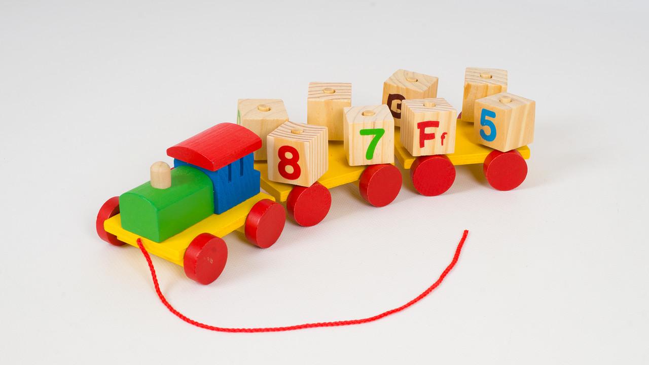 Деревянная каталка паровозик из 8 кубиков