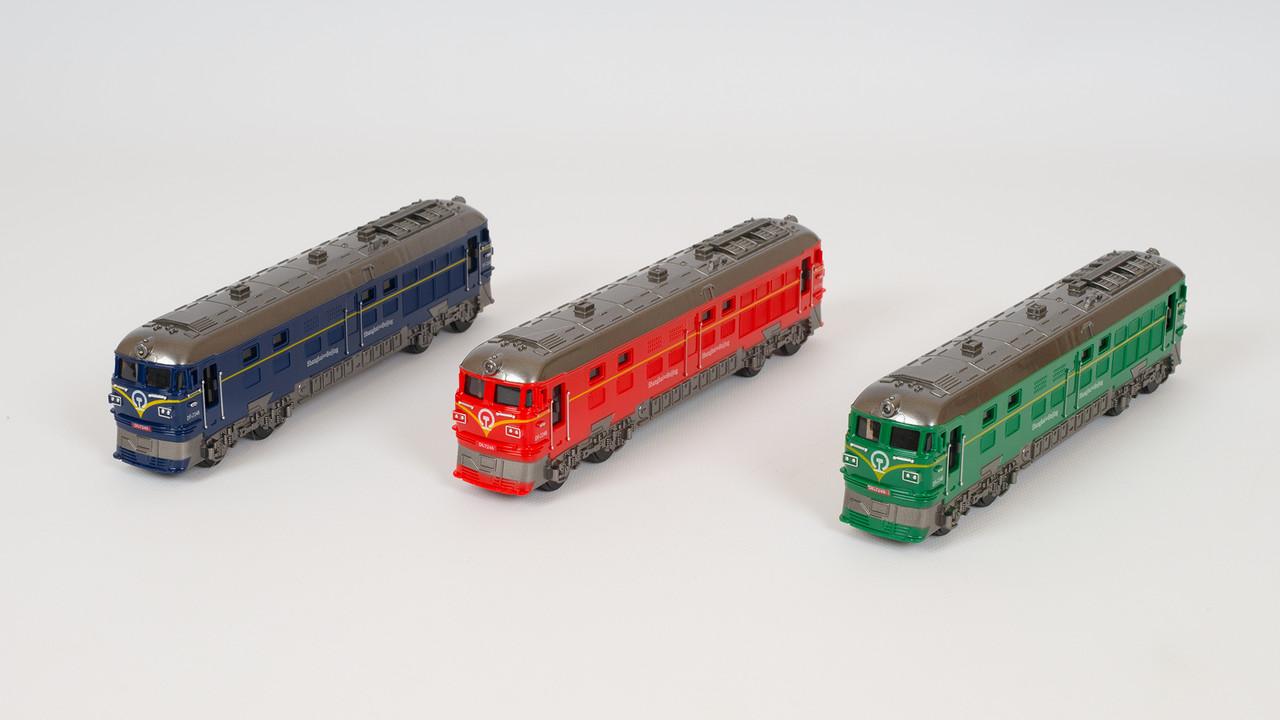 Поезд инерционный со звуковыми и световыми эффектами. 3 цвета