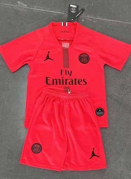 Детская футбольная форма ПСЖ Air Jordan красная (сезон 2018-2019)
