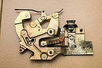 Механизм замка двери боковой сдвижной правой Volkswagen Transporter 4 1990-2003 701843654B, фото 1